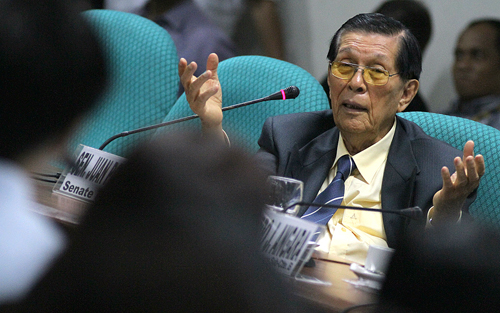 "speech of senate president juan ponce Ika nga ni senate president juan ponce enrile noong impeachment ni chief justic corona, ""irrelevant, immaterial"" kung saan saan na napunta ang issue na ito sumali pa ang kanyang chief of staff na si atty gigi reyes na naglaunch ng vicious attack at character assassination sa akin."